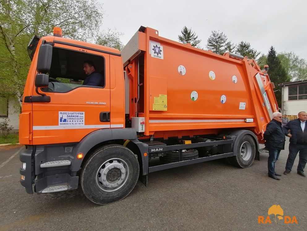 Komunalno vozilo za odvojeno prikupljanje otpada stiglo u Darkom d.o.o. 4