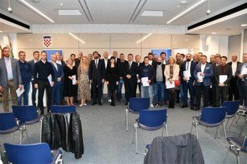 Ministar Ćorić i ministrica Tramišak uručili prve ugovore o dodjeli bespovratnih EU sredstava poduzetnicima za jačanje konkurentnosti te digitalnu i zelenu tranziciju 4